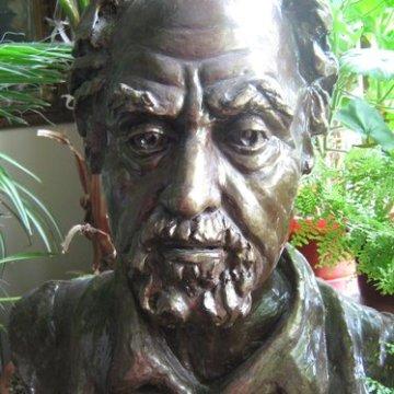Sotul artistei, sculptura gips patinat, maestra, Violeta, Lecca, Balan, artista